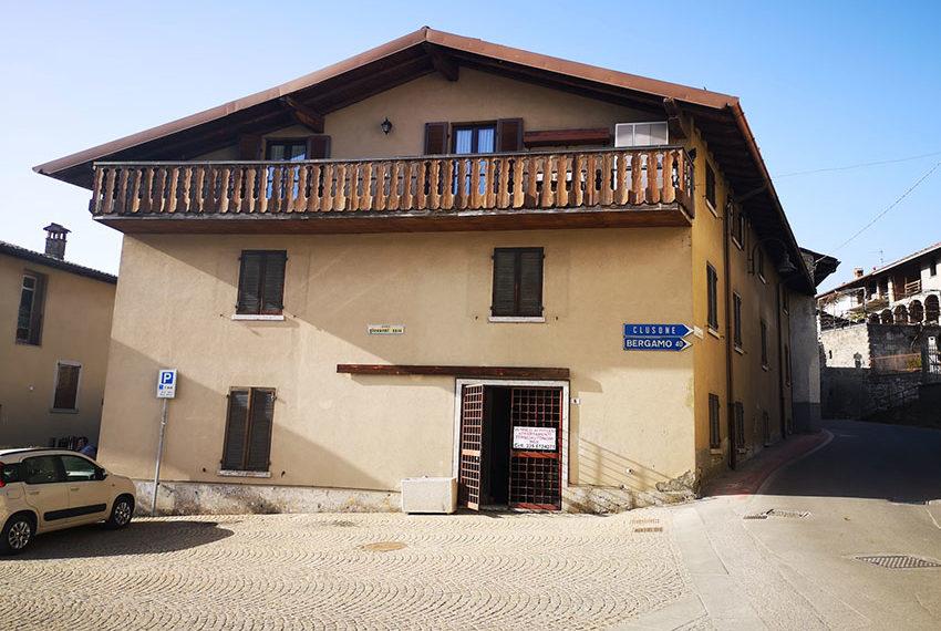 Affitto Vendita negozio a Songavazzo Valle Seriana 65 mq termoautonomo